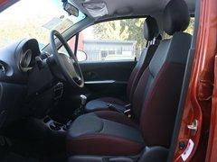 宝骏汽车  乐驰 1.2L MT 驾驶席座椅正视图