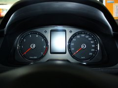 2013款 1.6L 自动 豪华版