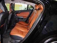 沃尔沃(进口)  沃尔沃S60 2.0T AT 第二排座椅正视图