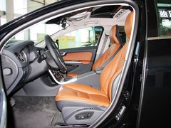 沃尔沃(进口)  沃尔沃S60 2.0T AT 驾驶席座椅正视图