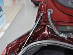 2013款 三厢 1.6L 手动 品尚型