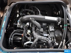 2013款2.7L 手动汽油高级升级版 23座