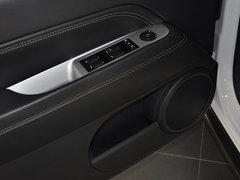 2014款2.0L 自动两驱豪华版 5座
