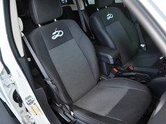 Jeep  2.4L 自动 副驾驶席座椅45度特写