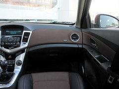 2013款 掀背版 1.6L 手动 豪华型