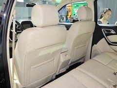 2013款 2.0 手动 四驱汽油超豪华版 7座