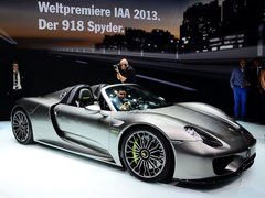 4.6L Spyder Weissach package封面图