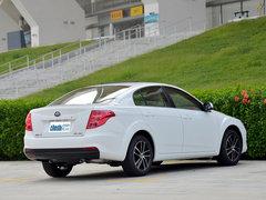 一汽奔腾  1.6L 手动 车辆右侧尾部视角
