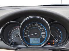 一汽丰田  1.3L 手动 方向盘后方仪表盘
