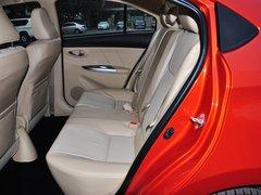 一汽丰田  1.5L 自动 第二排座椅正视图