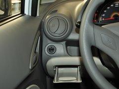 2013款1.2L EMT两厢 理想版