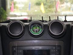 北京汽车  2.4L 手动 中控仪表台上方