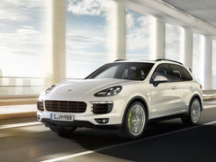 4.8T Cayenne Turbo S封面图