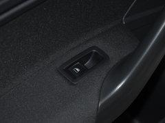 2017款 1.6L 自动风尚版