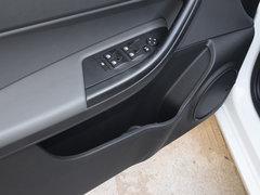 2017款三厢1.6L 手动致享型