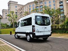 2017款1.9T短轴中顶星物流厢式运输车