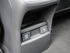 2017款 240TURBO 两驱豪华版