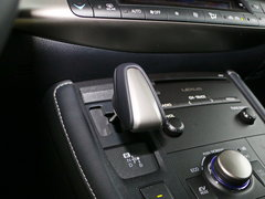 2017款 CT200h F SPORT 单色