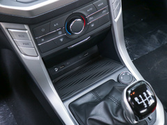2020款  2.0T柴油手动四驱纪念版标厢高底盘