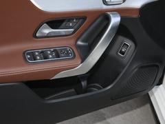 2021款 A 200 L 运动轿车动感型