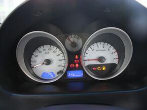 宝骏汽车  1.2L 手动 方向盘后方仪表盘