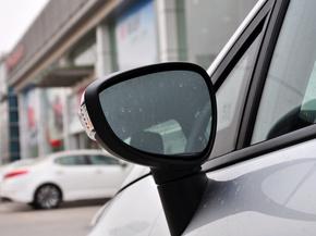 长安福特  三厢 1.5L 手动 反光镜外侧下视