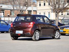 长安铃木  1.5L 自动 车辆右侧尾部视角