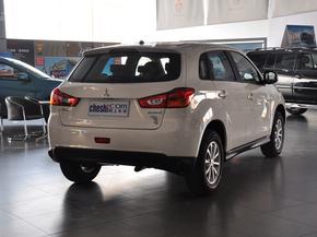 广汽三菱  2.0L 自动 车辆右侧尾部视角
