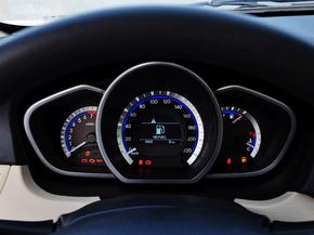 东南汽车  1.5L 手动 方向盘后方仪表盘