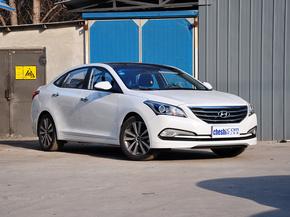 北京现代  1.8L 自动 车辆右侧45度角
