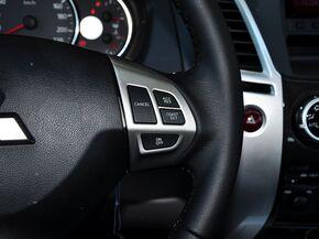 广汽三菱  3.0L 自动 方向盘右侧