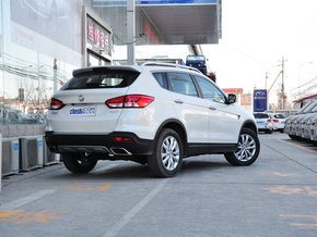 东风风神  2.3L 自动 车辆右侧尾部视角