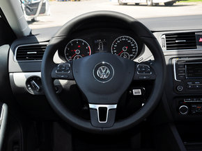 一汽-大众  改款 1.4T 自动 方向盘整体