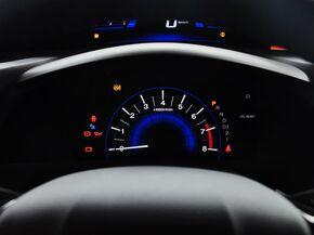 东风本田  1.8L 自动 方向盘后方仪表盘