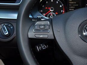 一汽-大众  3.0FSI 方向盘左侧