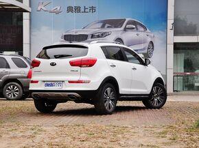 东风悦达起亚  2.0L 自动 车辆右侧尾部视角