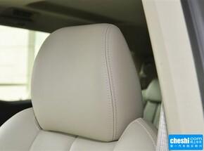 别克  2.4L 自动 驾驶席座椅头枕特写