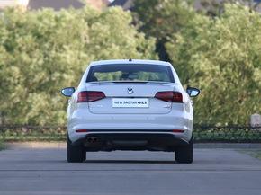 一汽-大众  2.0TSI 车辆正后方尾部视角