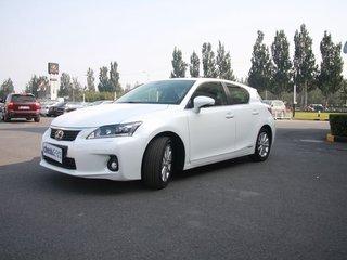 2012款200h 1.8L CVT豪华版