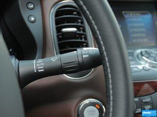方向盘右侧控制杆