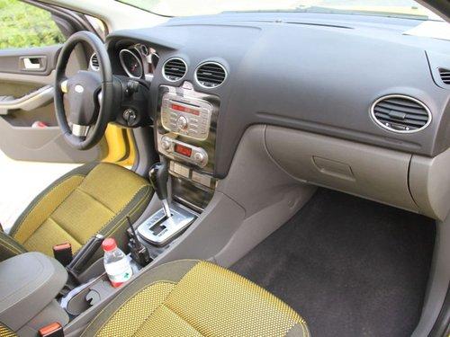福克斯-两厢 2011款 2.0 AT 运动型 局部
