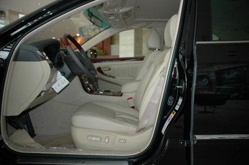 红旗 HQ3 驾驶席座椅