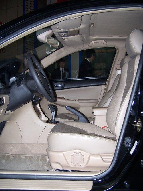 比亚迪 F6 驾驶席座椅