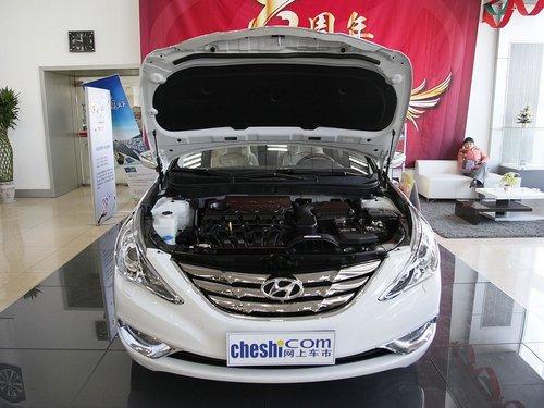 北京现代  第八代索纳塔 2.4 TOP AT 车辆发动机舱整体