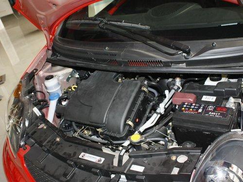 比亚迪  F0尚酷版 1.0 MT 发动机局部特写