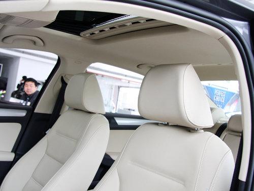一汽-大众  1.4TSI 手动 驾驶席座椅头枕特写