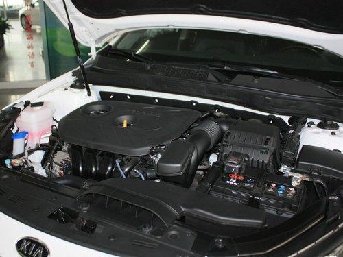 东风悦达起亚  K5 2.0L AT 发动机主体特写