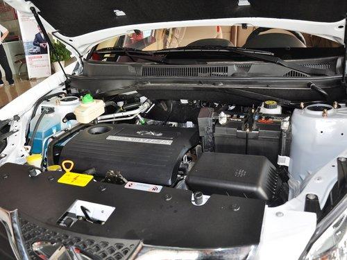 奇瑞汽车  精英版 1.6L 手动 发动机主体特写