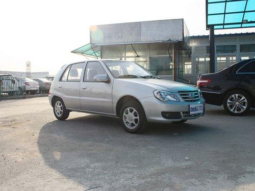 天津一汽  N3 1.0 MT 车辆右侧45度角