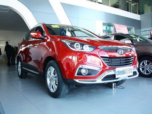 北京现代  2.0L 自动 车辆右侧45度角